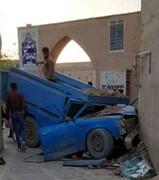 تصادف شدید نیسان با بافت تاریخی یزد | تصاویر این اتفاق عجیب را ببینید