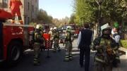 آتش به جان هتلهای تهران افتاد | تصاویر آتش سوزی هتل قدیمی در خیابان صوراسرافیل | ۲۰ مسافر را از هتل خارج کردند