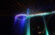 بزرگ ترین راکت تنیس آسمانی در چین | از راهروی آسمان گذر کنید؛ آبشار دوار روی راکت بزرگ