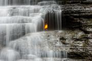 نقاط عجیب در سرتاسر دنیا: آبشار شعله ابدی کجاست؟ | پدیده بی نظیر طبیعت در نیویورک