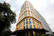 اقامت در هتلی ساخته شده از طلا | مردم عادی هم مانند ثروتمندان میتوانند از امکانات این هتل استفاده کنند